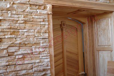 Лестница и дверные порталы из ясеня, г. Сургут